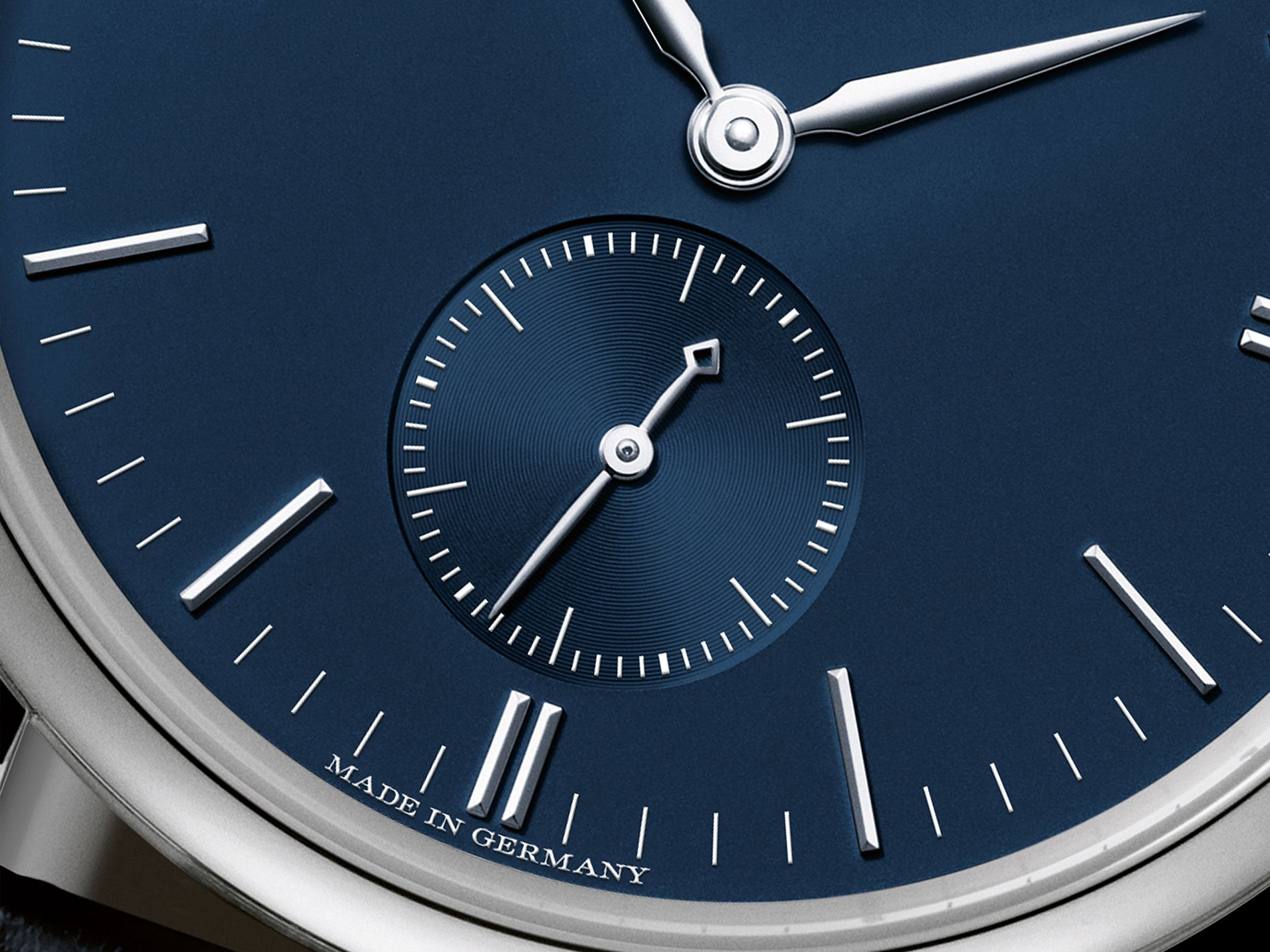 a lange söhne saxonia white gold blue dial 37 mm handwound 219.028 review