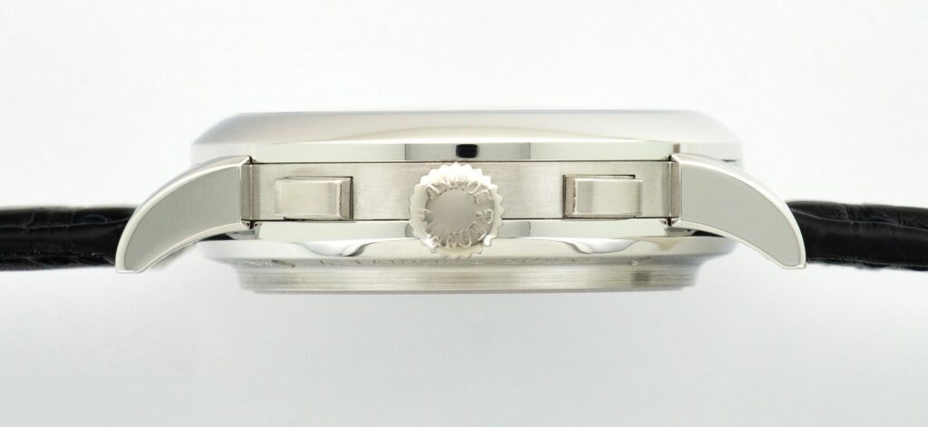 A Lange söhne chronograph Datograph flyback watch 41 mm Up down platinum 405.035 case profile