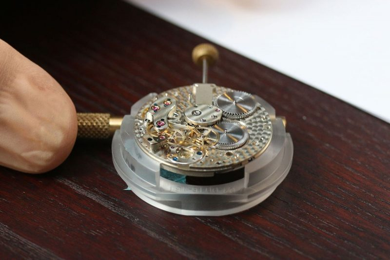 a lange söhne caliber L901.0 in the assembly process with double barrels