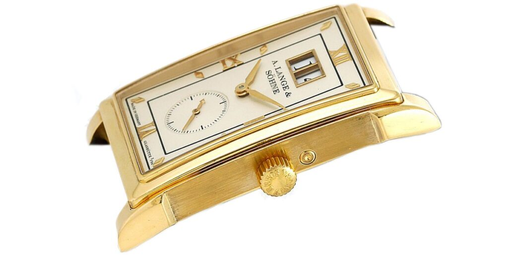a lange söhne cabaret yellow gold reference 107.021 case structure and finish